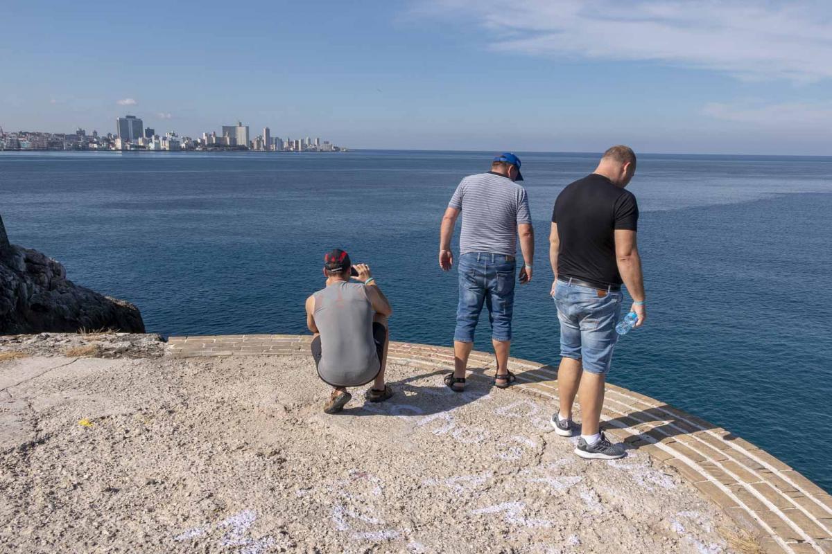 Photo Shoot Tour, clients, professional photos in Cuba, havanphotographyservice (10).jpg