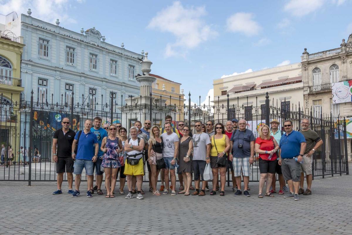 Photo Shoot Tour, clients, professional photos in Cuba, havanphotographyservice (37).jpg