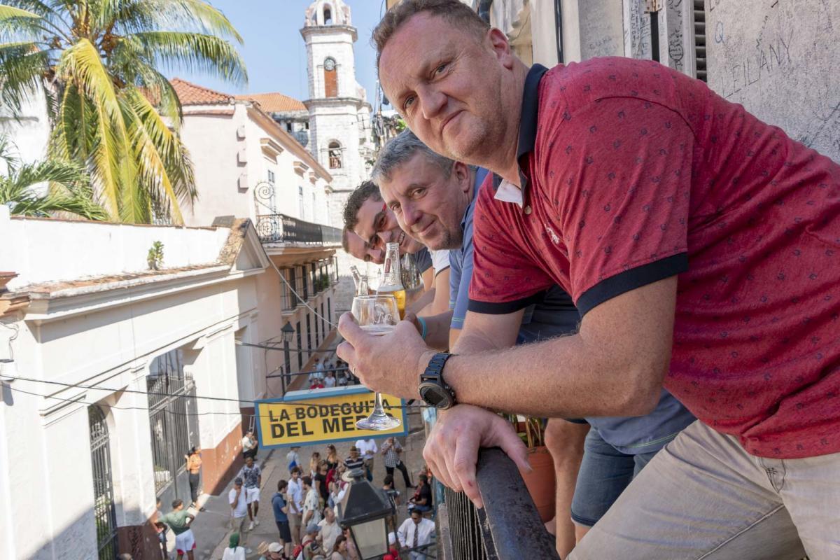 Photo Shoot Tour, clients, professional photos in Cuba, havanphotographyservice (43).jpg