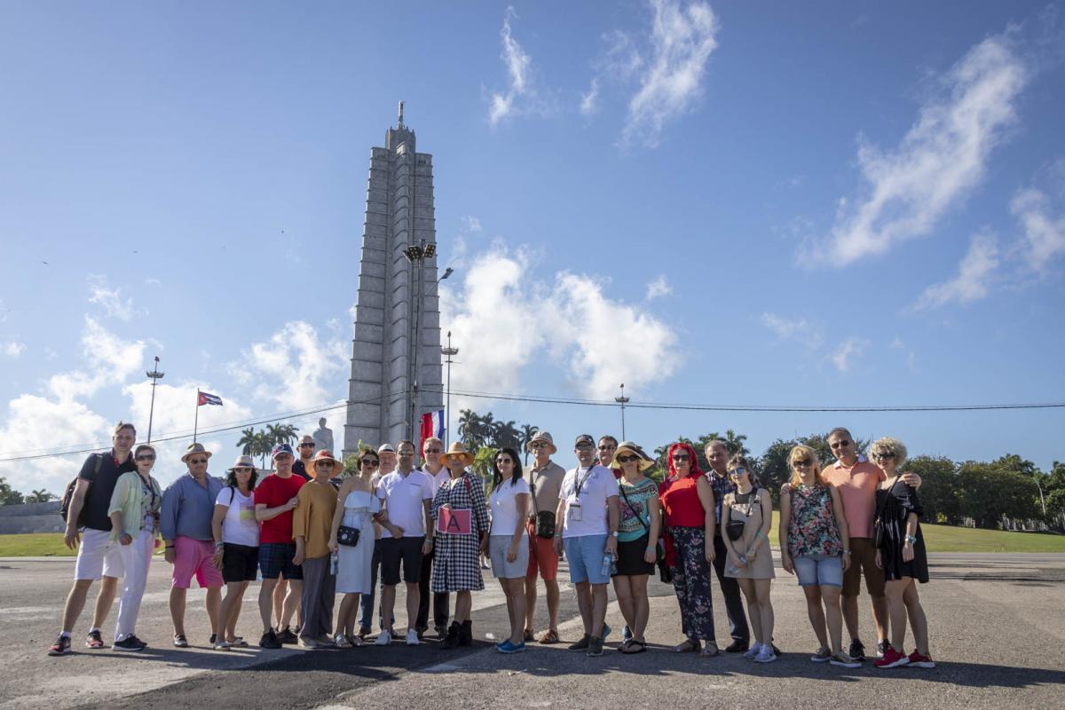 Photo Shoot Tour, clients, professional photos in Cuba, havanphotographyservice (50).jpg