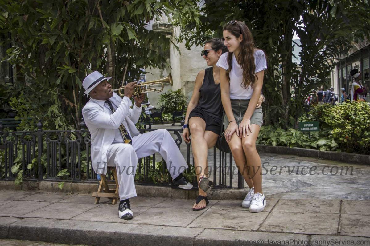 Photo Shoot Tour, clients, professional photos in Cuba, havanphotographyservice (75).jpg
