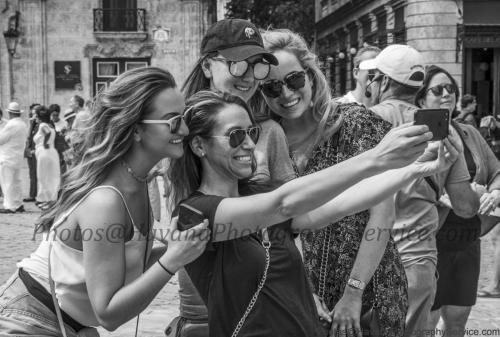 Photo Shoot Tour, clients, professional photos in Cuba, havanphotographyservice (80).jpg