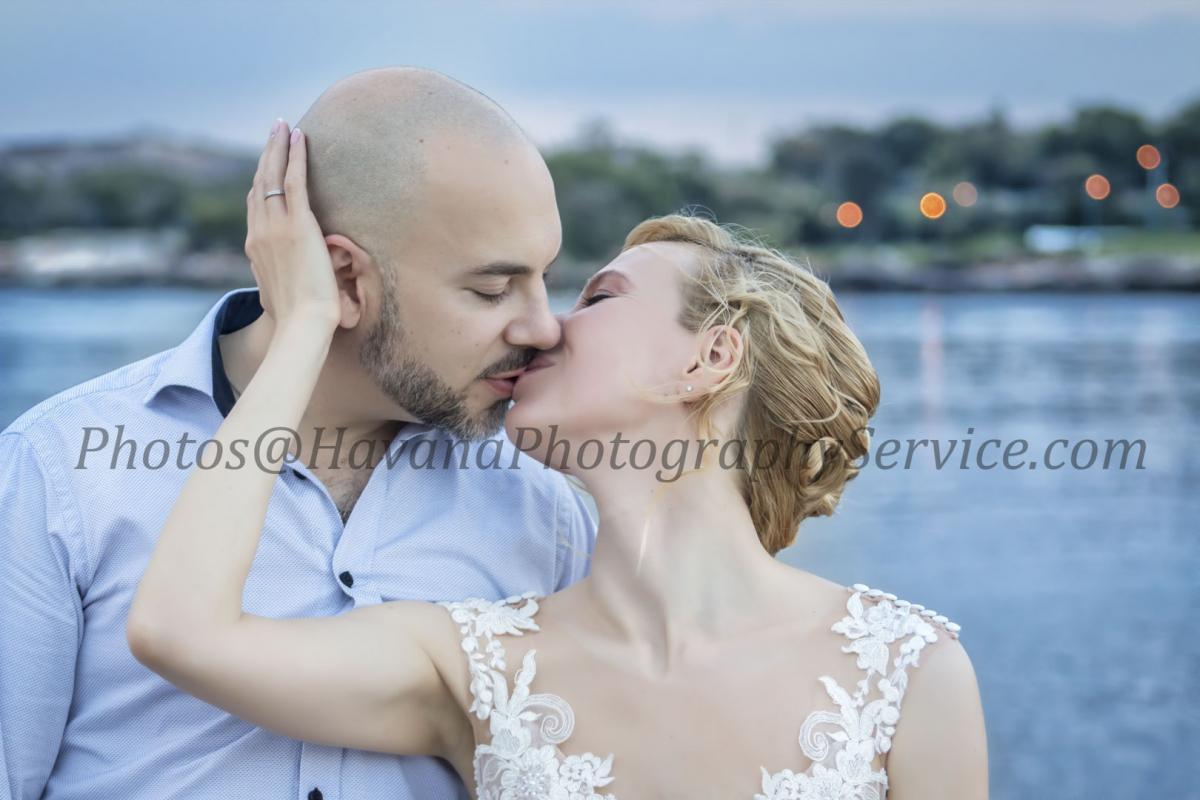 Photography of honeymoons, wedding anniversary and weddings (99)